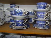 240+ Blue & White Vintage Cups, Saucers & Side/Tea Plates. Ideal Weddings, Restaurants, Cafes etc