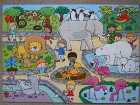 Touch and feel zoo puzzle