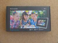 """7"""" Black Kitvision digital photo frame"""