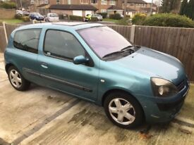 renault clio bilabong high spec excellent runner a/c climate control automatic lights and wipers