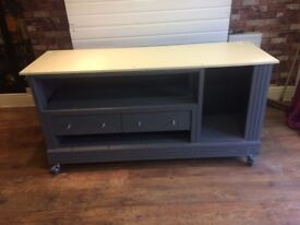 HANDMADE EXCELLENT QUALITY MOBILE WORK STATION WORK BENCH