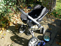 Quinny travel system; stroller, maxi-cosi car seat, family-fix base, buggy board and accessories