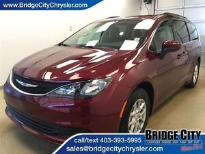 2017 Chrysler Pacifica LX *Demo Unit* -8 Passenger Seating!