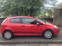 Fiat Punto Evo 1.4 2010 (10)**Full Years MOT**A Stylish and Modern Car for ONLY £2195