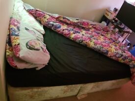 Double bed including base+matress