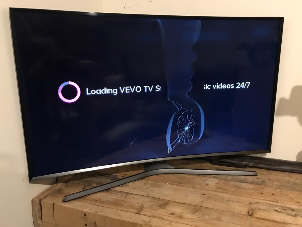 Smashed Screen Samsung UE48J6300 TV
