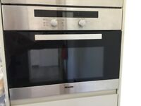 MIELE COMBINATION OVEN H4020BM (for parts)