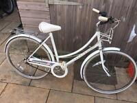 Raleigh Caprice Ladies Town Bike. Good Condition, Serviced, Free D-Lock, Lights, Delivery
