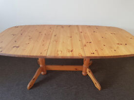 Heavy duty extendable pine table (Delivery)