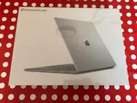 Laptop Microsoft Surface i5 4gb/128ssd Platinum Sealed!!