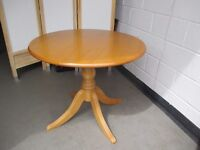 BIRCH SINGLE PEDESTAL FARMHOUSE STYLE ROUND DINING TABLE / KITCHEN TABLE FREE DELIVERY