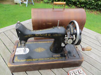 Singer sewing machine, with cover, great retro decorative item.