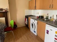 1 bedroom first floor flat available in Bishopston. Rent includes council tax and water.