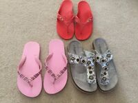 Job Lot of 3 Pairs of Toe Post Sandals / Flip Flops including Oakley Shoe Size 4 - 4.5 - all for £1