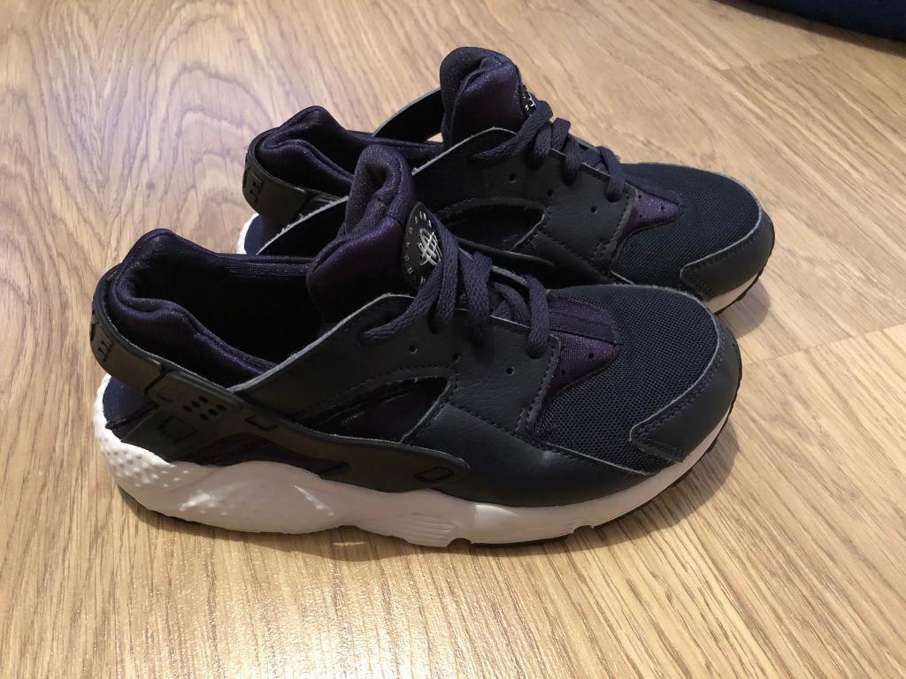 874eb815f81c Nike air huaraches size 2
