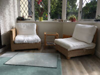 Set conservatory wicker chairs & side tables