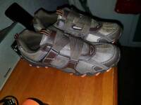 New uk size 8 harbour bay trainers