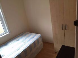 Single room available now Willesden Green/ Cricklewood!!