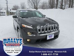 2016 Jeep Cherokee North! Almost New! Low KMS! 4x4! Back Up! Nav