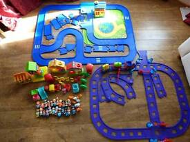 Early Learning Centre Happy Land Happy Tracks Bundle
