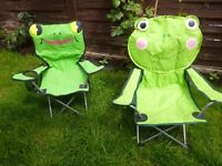 2 x childs camp chairs green frogs