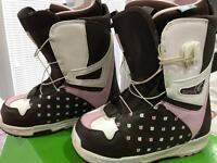 "Burton ""mint style"" snowboard boots size 6"