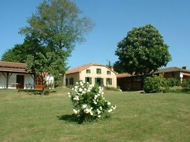 SW France- 5 acre (business) estate with main residence+ gest quarters and 4 rental cottages/POOL
