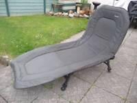 Wychwood 3 leg bed chair