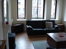 Gorgeous, spacious 2 bedroom flat in the heart of the Merchant City available end of June