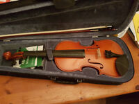 4/4 Violin Full Size with spare strings