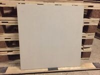 Light grey ceramic tiles (10m2)