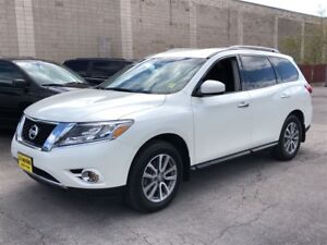 2016 Nissan Pathfinder SV, 3rd Row Seating, Heated Seats, 4x4