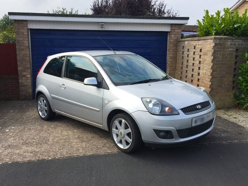 ford fiesta silver 1 4l zetec blue 80 2008 registration 7 months mot september 2017 in. Black Bedroom Furniture Sets. Home Design Ideas