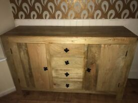 Wooden sideboard/cabinet