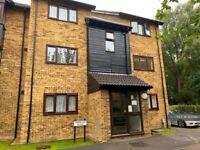 1 bedroom flat in Turnpike Lane, Uxbridge, UB10 (1 bed) (#1235827)