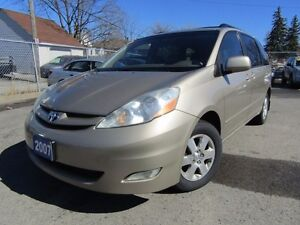 2007 Toyota Sienna LE - POWER GATE AND SLIDERS!