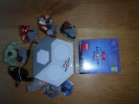 Disney Infinity 2.0 Starter Pack for PS3, portal with 4 figurines and power coins and poster
