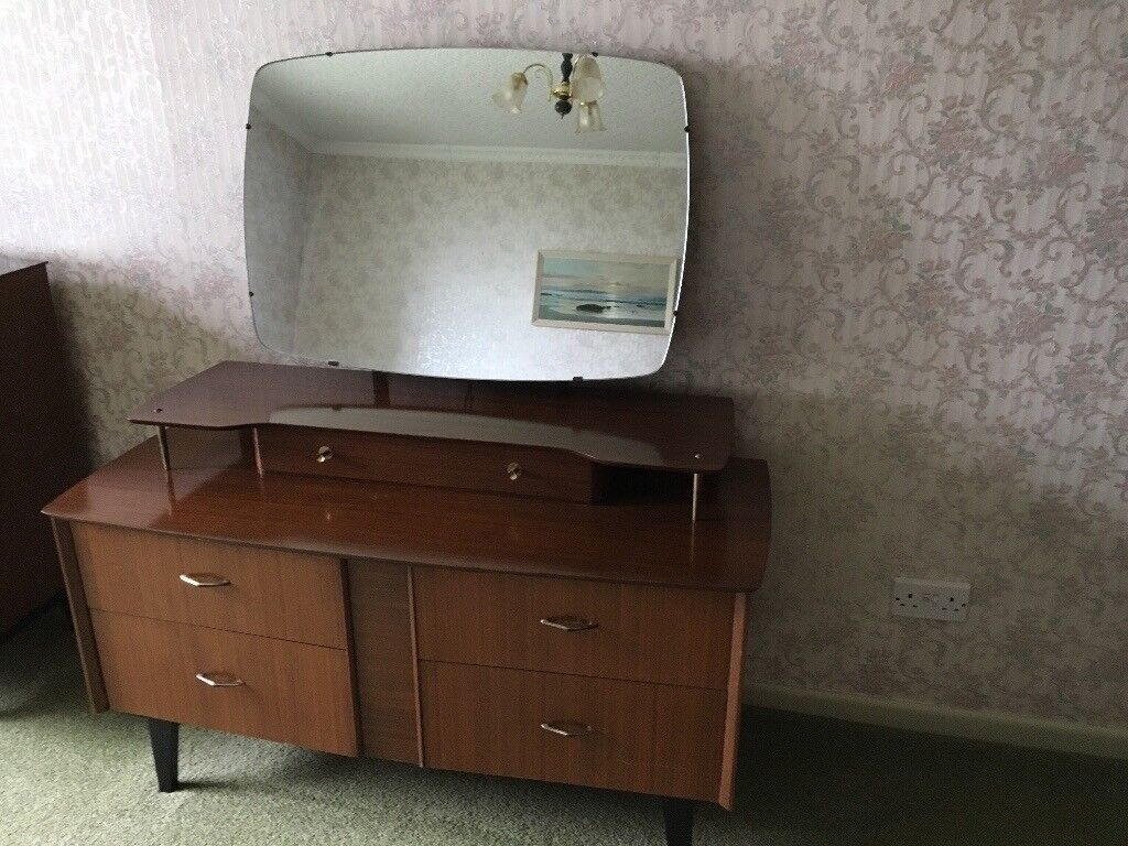 Dressing Table & Chest of Drawers VINTAGE