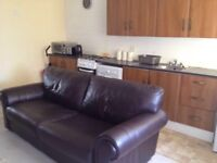 Lovely 1 bedroom plus lounge flat, only 10 mins walk from Dunfermline Town Centre