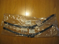 Set wiper blades for 2009 Audi A8 - brand new genuine Audi parts in original packaging.