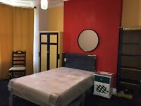 2 Double rooms in Salford