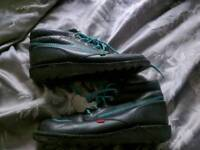 Kicker's classic boots size 10