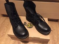Dr Martens Pascal boots ( UK8 )