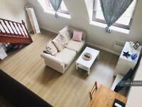 1 bedroom flat in Brook Road South, Brentford, TW8 (1 bed) (#1020691)