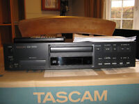 TEAC - Tascam cd player with iPod dock