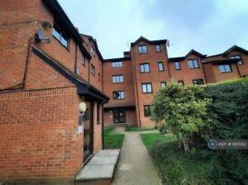 1 bedroom flat in Burbage House, London, SE14 (1 bed) (#950312)