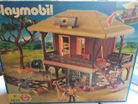 Playmobil Wild Life Hut Oambati Station