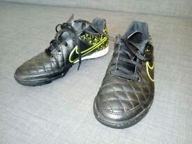 Junior Football shoes Nike size 3