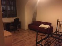 The room for rent in Manchester £280-£360 per month