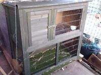 RABBIT HUTCH - TWO LEVELS - OPEN VIEW RUN & RAMP TO SLEEPING COMPARTMENT - VGC
